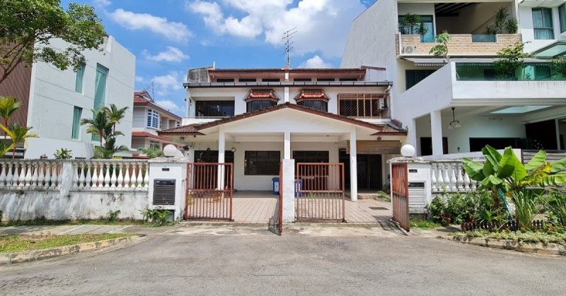 Two 999 year-leasehold terrace houses in Kovan for sale
